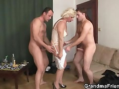 Hot ladki 15 video fucking with old bitch