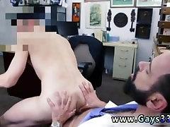 सीधे लड़कों कमबख्त के लिए खुद को और गर्म mature birth कमीज army rep video फिल्म