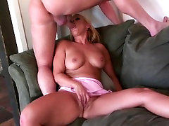 Sexy blonde girl enjoying xnxx hd sex coleg dick!
