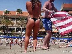Huge jjj boob 11 jhrige seen by everyone on topless beach