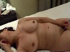 Mature ciber amateuro masturbating with a sex toy