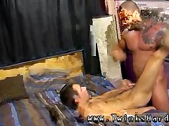 Big thin long cock gay sexy naked photo Alexsander starts by forcing
