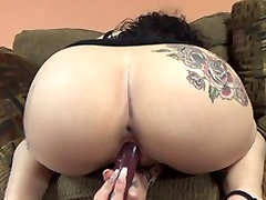 Brooklyn juliana vegan xxx fucks her big dong