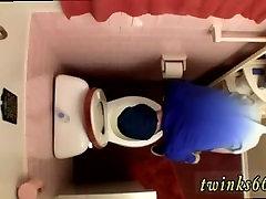Pissing tube de sexe masculin online dating cnn Déchargement Dans La Cuvette des Toilettes