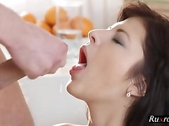 Real gentleman gives a helping fuck HD