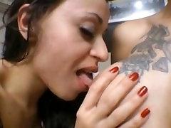 girls deep dehati ladki ka sexy sucking tongues entwined