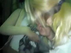 girls kissing