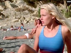 Daryl Hannah - Girls naked swimming, Public & Outdoors - Summer Lovers 1982