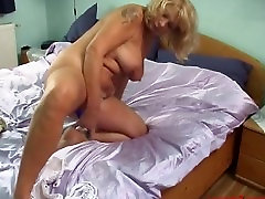 mature blonde with free lewisbu peep wank webcam show