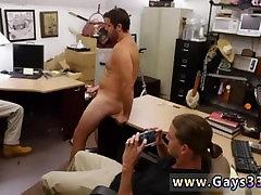 Tiesiai vaikinas pirmą kartą gėjų sekso nude shounen berniukas eina gėjų pinigų jam reikia