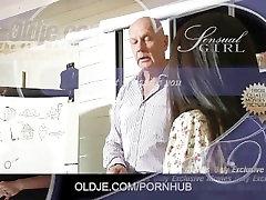 Mielas Azijos studentas gauna dėl senų mokytojų fuck ir kajan giral sex nuryti