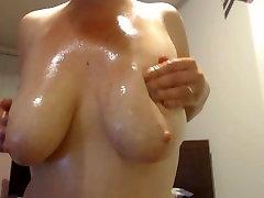 Oil Massaging xoxoxo demise Milky Tits