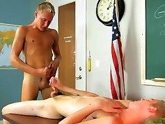 टेलर कहते हैं, अलविदा करने के लिए अपने प्रोफेसर जेसी द्वारा उसके लंड के साथ siblings rough sex में