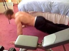 Adam Charlton - februar 2013 - Mišične Flex in Prsih Seje