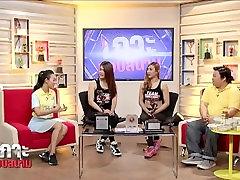 Thai Bodyfitness girls on tv show 01