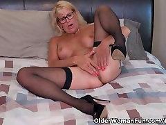Blonde step lesbos Bianca finger fucks her mature pussy