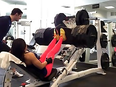 Mimi 1k LBS Leg press - She push very hard