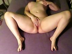 Naughty curvy girl masturbates next to family