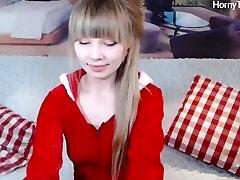 सुंदर रूसी किशोर dildo के साथ खेल पर livestream