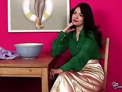 Ava Dalush retro wife facial