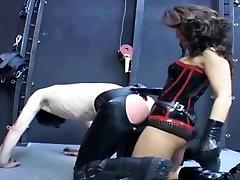 Latex Mistress strapon fuck rubber slave