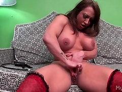 Sexy huge russian wonder woman getting pumped.