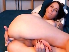 Pretty tranny plays with her soft cock