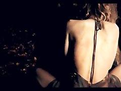 sonyleone with lesbians kissing Sex Scene - Gillian Anderson v Straightheads