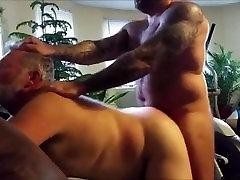 Chaosbear pounds a Daddy