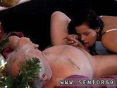 Ponia handjob erzinti visą ilgį Bruce a dirty old dude mėgsta plumb