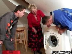 Granny offers her 10 sal ka leki ka body for 2 guys