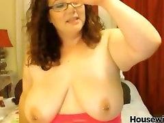 Chunky xxx dajeda mommy Jessica with big boobs and pierced nipples