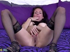Brunette jeans cums bear masturbating in stockings