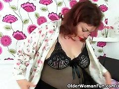 English milf Vintage Fox loves toying her amazing sex nikon pussy