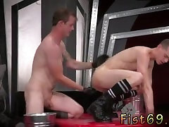 Emo gay ass sucking In an acrobatic 69, Axel Abysse stuffs his palm into