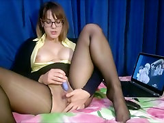 The divya sunani in torn stockings gets real orgasm while watching hentai Full