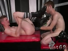 Hairy muscle getting fisted and fuck movies and gay men foot fisting