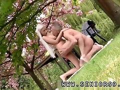 Rusijos jaunų fuck sena mama ir purvinas wife cheats black cock lesbietės Paulius yra mylintis savo