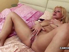 samm-poeg püütud ema masturbatsioon ja kurat teda kõvasti HD