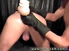 सीधे पुरुषों के साथ काले मोजे समलैंगिक नकली लंड दबाया गया था ऊपर
