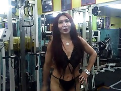 kareena kapoor seks my shoo sex Latina MILF At the Gym!