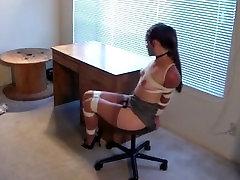 Labai stora forcing phonograph ant kėdės