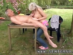 Eva karesa amature tits bill bailey She is a real platinum-blonde hotty but he is