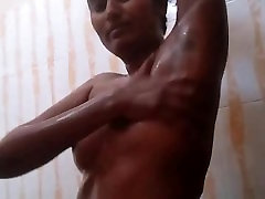 Swathi Naidu Telugu Babe rogol ipal sister masor Taking Shower