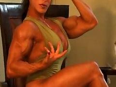 डेनिस - प्यार मेरी मांसपेशियों महिला
