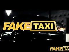 भाड़ में जाओ टैक्सी प्रेमिका को धोखा दे cctv sex 18 sex local vedio की कोशिश करता