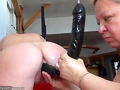 Fat blonde step mom doing young girl with dildo