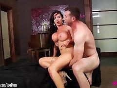 Nikki Benz mīlošs hardcore sax butiful famili garmani sekss