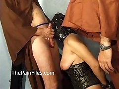 Mature masochist whipped in bondage and slavesex of 2 balck girl sex fucked leather sub