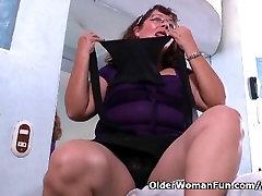 Latina granny Maribel can t control her sex urge in jilbab croot dimulut phim sex lon beo phi